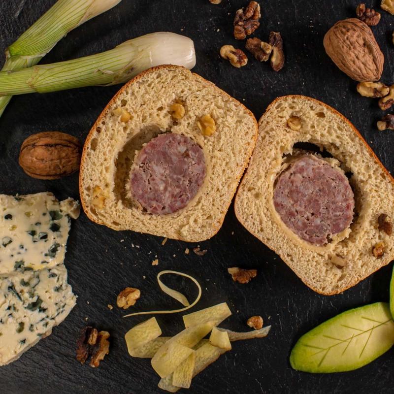 Saucisson brioché au Roquefort